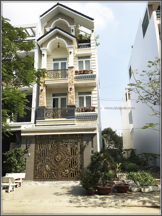Thi công nhà ống mặt tiền 5m bán cổ điển của chị Hằng quận Bình Tân