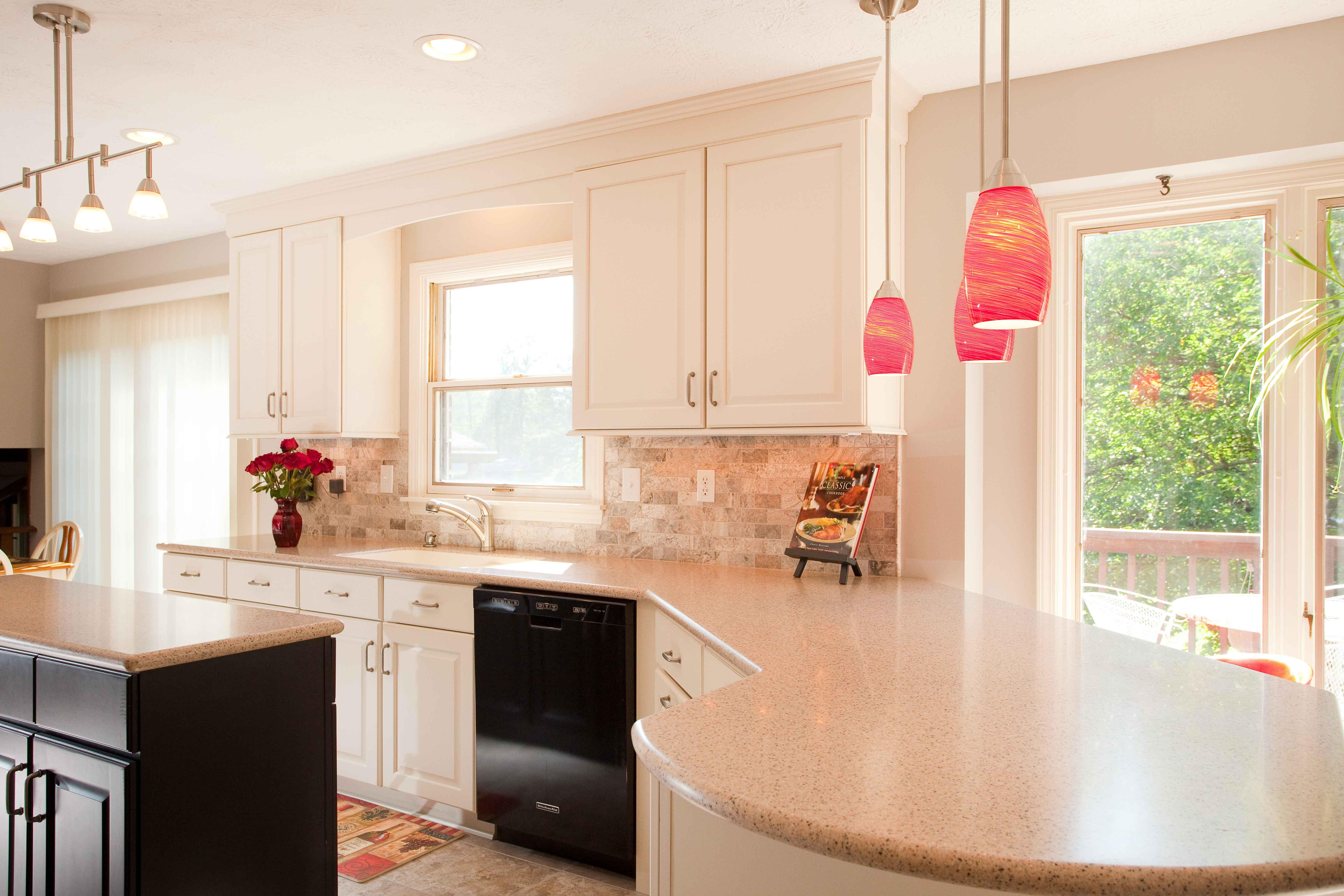 Thiết kế phòng bếp tông màu hồng mê hoặc phái đẹp