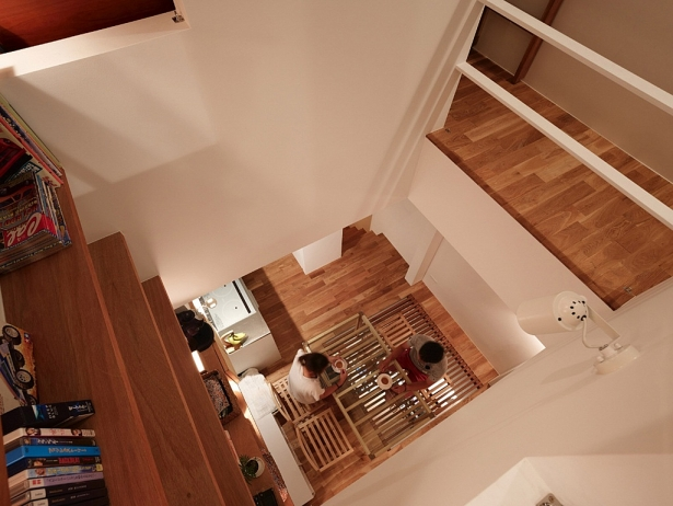 Nhà gỗ mặt tiền 2.5m đẹp mê ly, bạn có tin điều này không