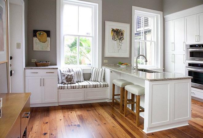 Khác biệt với 10 mẫu thiết kế nhà bếp có ghế ngồi bên cửa sổ - 03