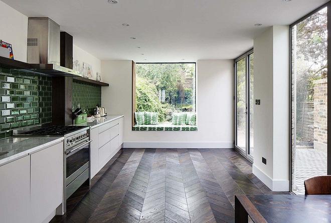 Khác biệt với 10 mẫu thiết kế nhà bếp có ghế ngồi bên cửa sổ - 05