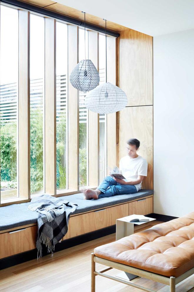 Khác biệt với 10 mẫu thiết kế nhà bếp có ghế ngồi bên cửa sổ - 08