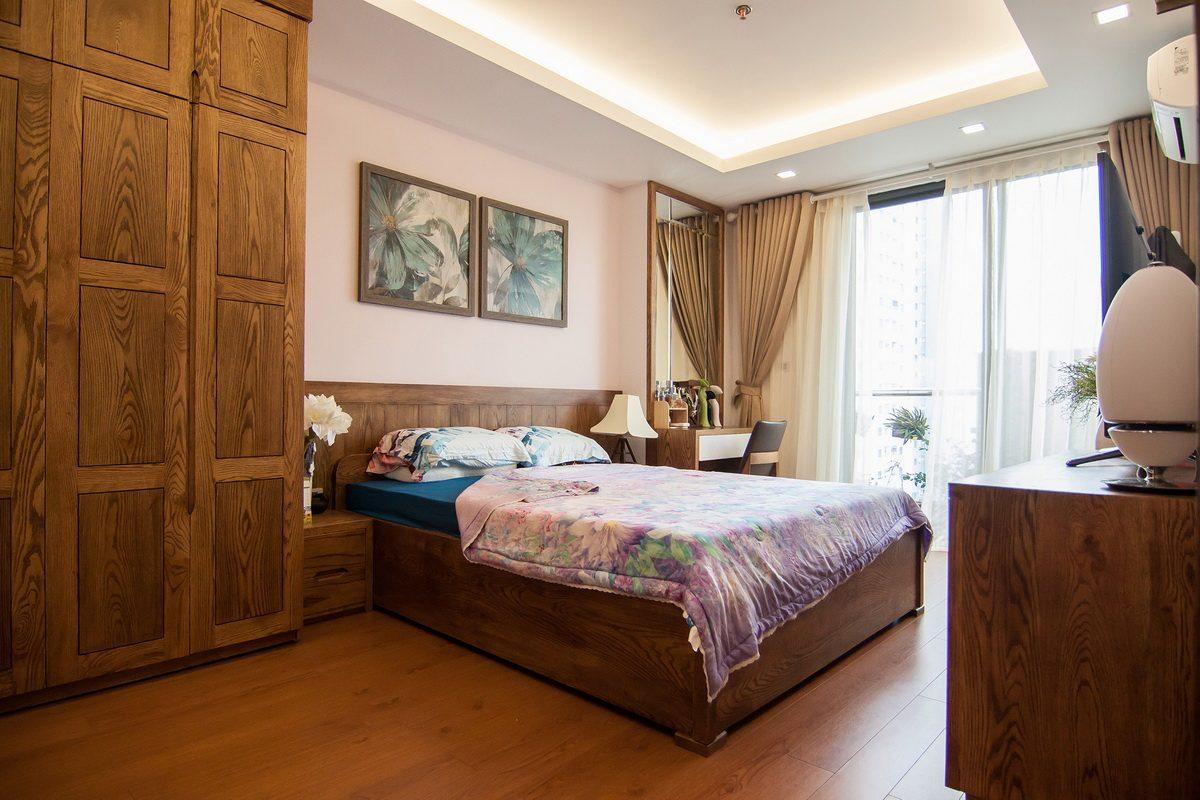 Căn hộ với nội thất gỗ mang cảm giác ấm áp cho gia đình - 03