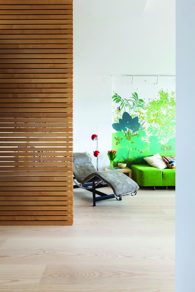 Phòng khách đầy sắc màu cho người sáng tạo
