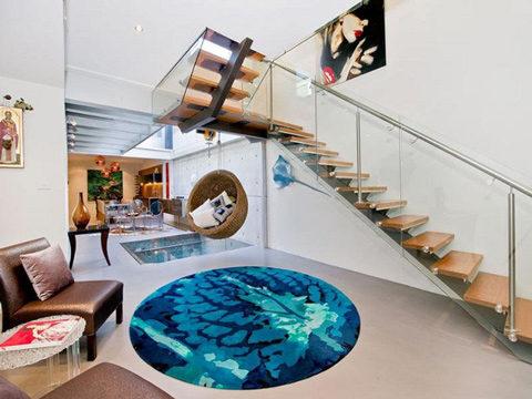 Độc lạ ngôi nhà có bể bơi nằm giữa phòng khách