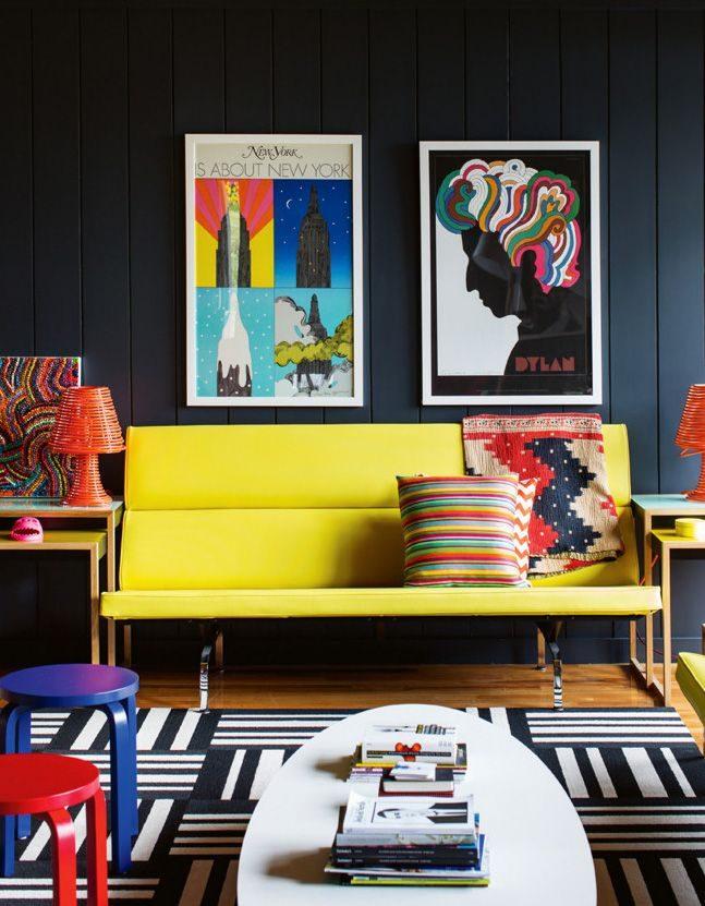 Phá cách nội thất phòng khách với gam màu neon