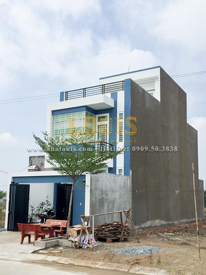 Hoàn tất quá trình thi công xây dựng nhà 2 tầng nhỏ xinh ở Long An