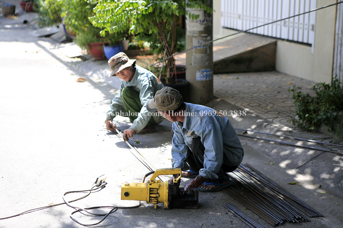 Nhà ống mặt tiền 4m đẹp hiện đại với phong cách tối giản ở Tân Phú